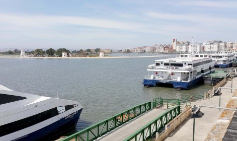 Existing conditions: ferries to and from central Lisbon